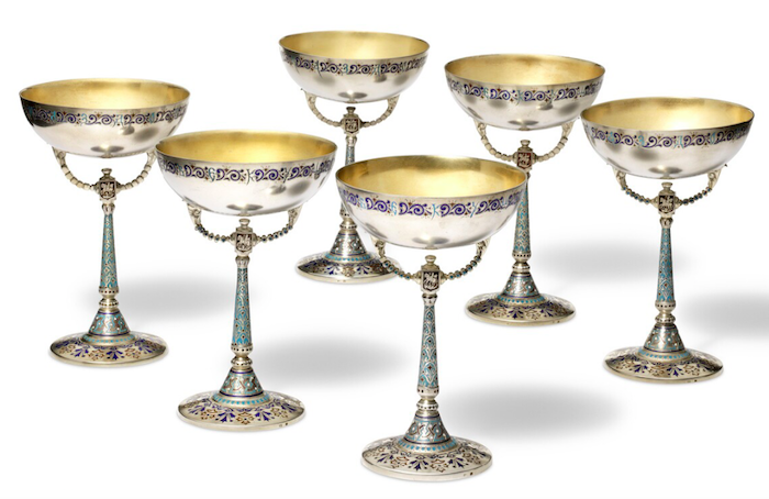 Antip Ivanovich Kuzmitchev: A set of six Russian silver and champlevé enamel sorbet cups. 1896–1908, retailed by Tiffany & Co. Weight 1,356 gr. H. 15 cm. (