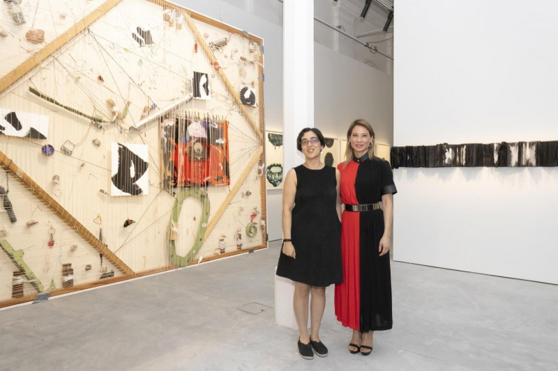 Lucy Liu tillsammans med Shubigi Rao. Foto: National Museum of Singapore.
