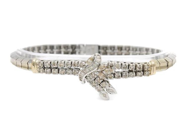 ARMBAND, 18K rodierat ljusgult guld, 49 diamanter (briljanter, baguetter och navetter) ca 1,30 ctv, ca Cape/VS-SI, lagat på 6 ställen, längd 18 cm, vikt 21,0 g. Utropspris 9 900 SEK.