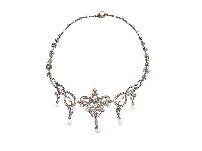 Gargantilla en plata y oro amarillo con perlas y diamantes