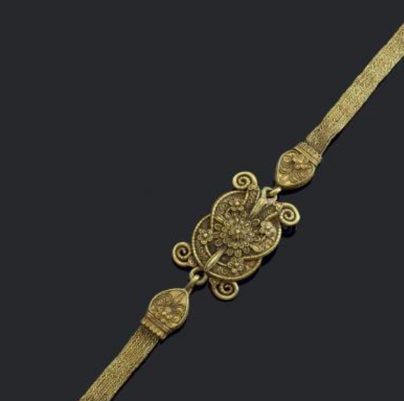 Strap diadem with Heracles knot centrepiece, late 4th to early 3rd century