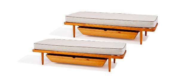 Travail Danois Paire de lit-banquette ouvrant à un tiroir