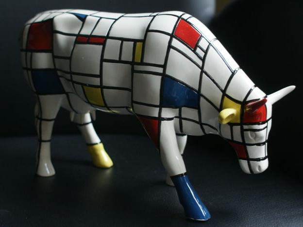 PIET MONDRIAN. Vaca modelo grande utilizada en la Cow Parade del año 2000