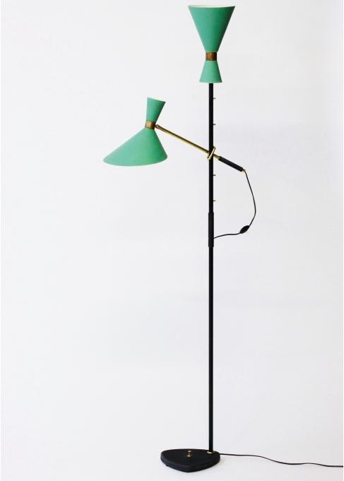 Golvlampa av J. T. Kalmar. Fast pris: 39 000 Sek. Nordlings Antik.