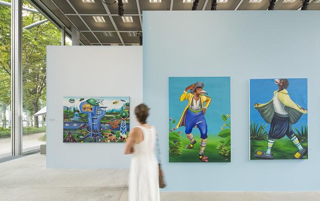 Vue de l'exposition Beauté Congo – 1926-2015 – Congo Kitoko, Fondation Cartier pour l'art contemporain, 2015  © Luc Boegly