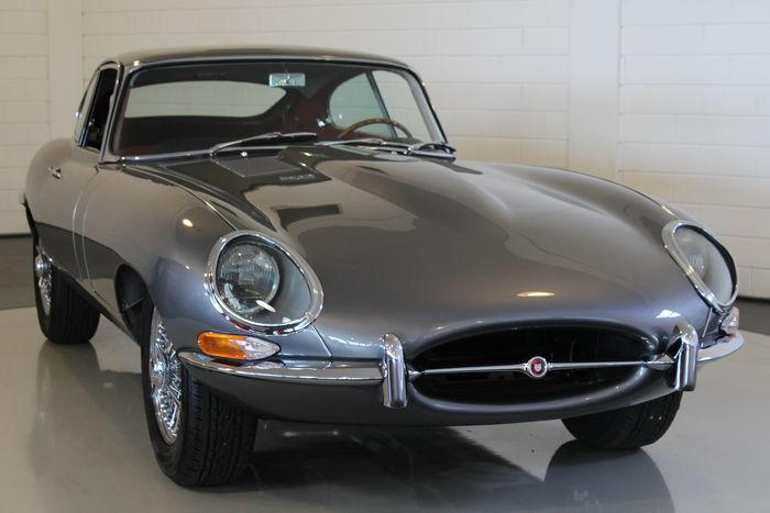JAGUAR - E-Type Coupé (1962). Precio estimado: 220.000-287.500 €