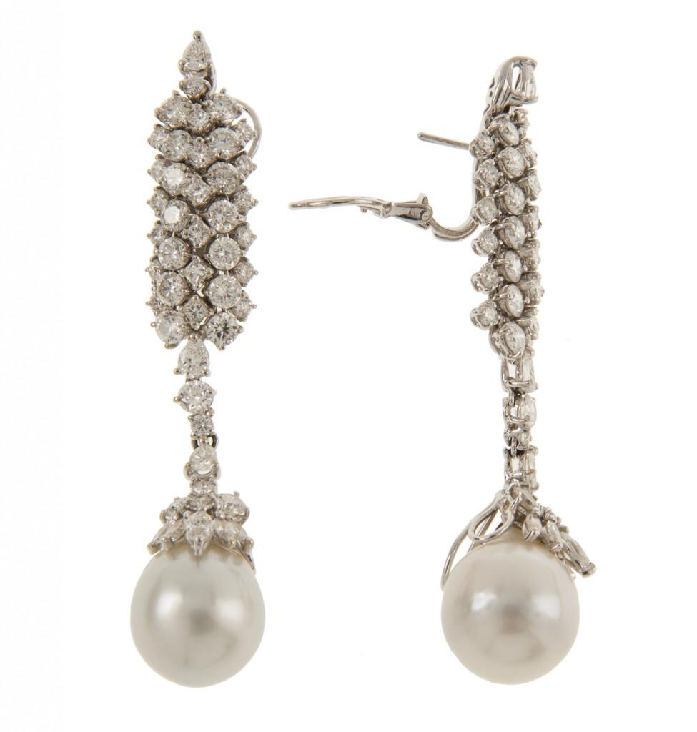 Paar Ohrringe aus Weißgold mit Perlen und Brillanten (zus. 9,15 ct) Ausruf: 7.000 EUR