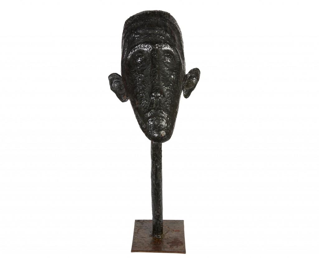 Roger Chameaux, dit Chomo, Visage tourné vers le ciel, sculpture en tôle martelée, image ©Estim Nation