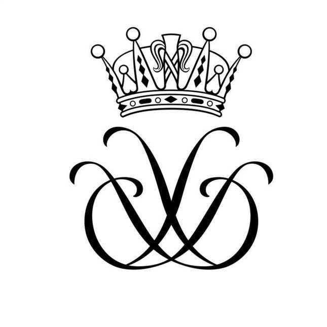 Kronprinsessparets monogram med Victorias V i mitten flankerat av Daniels D.