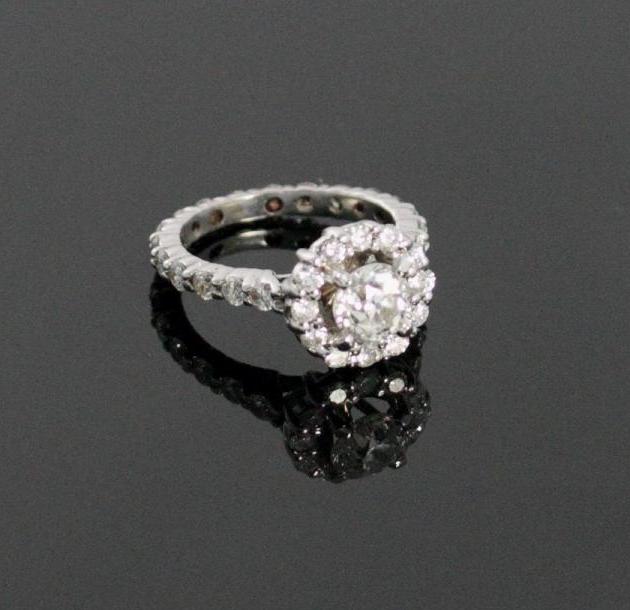 Bague diamant The London Auction Room Estimation: 2 100 €