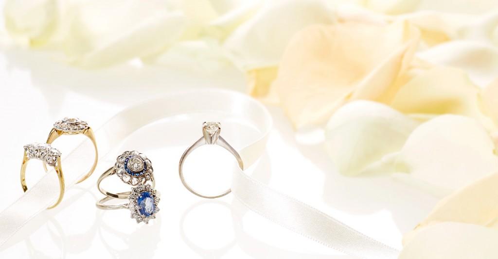 Eine große Auswahl bezaubernder Ringe erwartet Sie bei Rheinfrank Antique & Vintage Jewellery