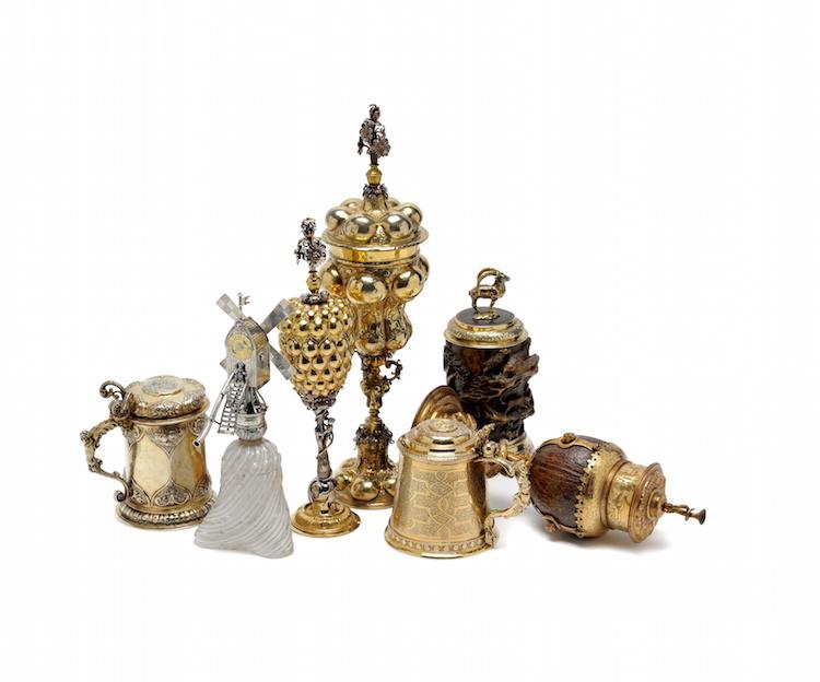 Bland föremålen som Kunstkammer Georg Laue visar under TEFAF-mässan i New York finner man ett antal dryckesföremål tillverkade under 1500 -1700-talet, i dyrbara material såsom silver, glass, horn och kokosnöt. Foto: Kunstkammer Georg Laue, München