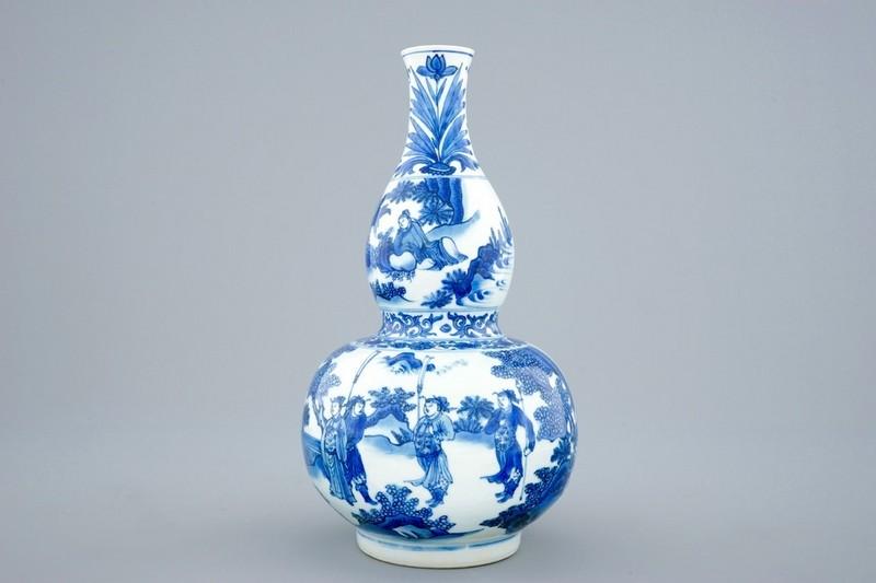 Jarrón chino azul y blanco en forma de calabaza (1620-1683). Estimación: 10.000-15.000 €