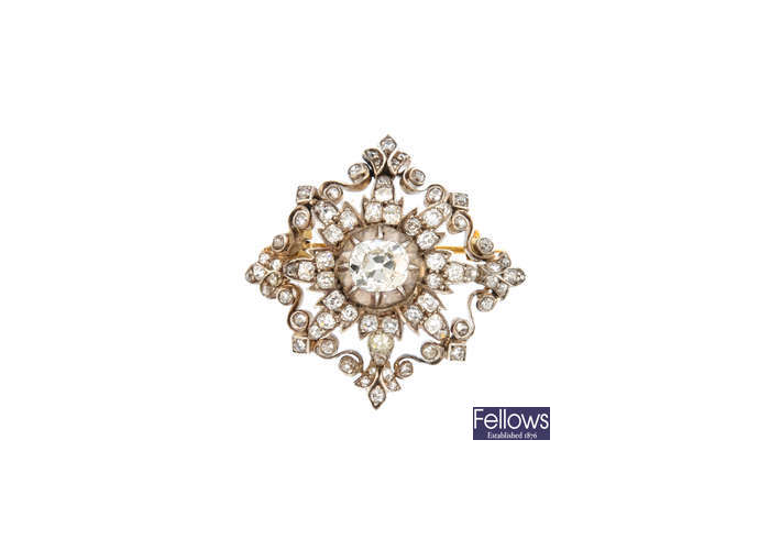 Broche de diamantes de diseño calado de principios del siglo XX