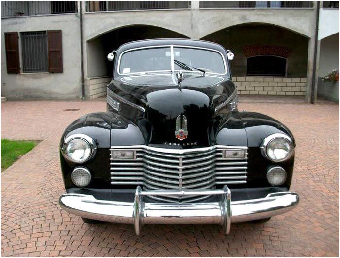 CADILLAC - Fleetwood Serie 75 - 1941. Utropspris: 550 000 - 720 000 kronor.