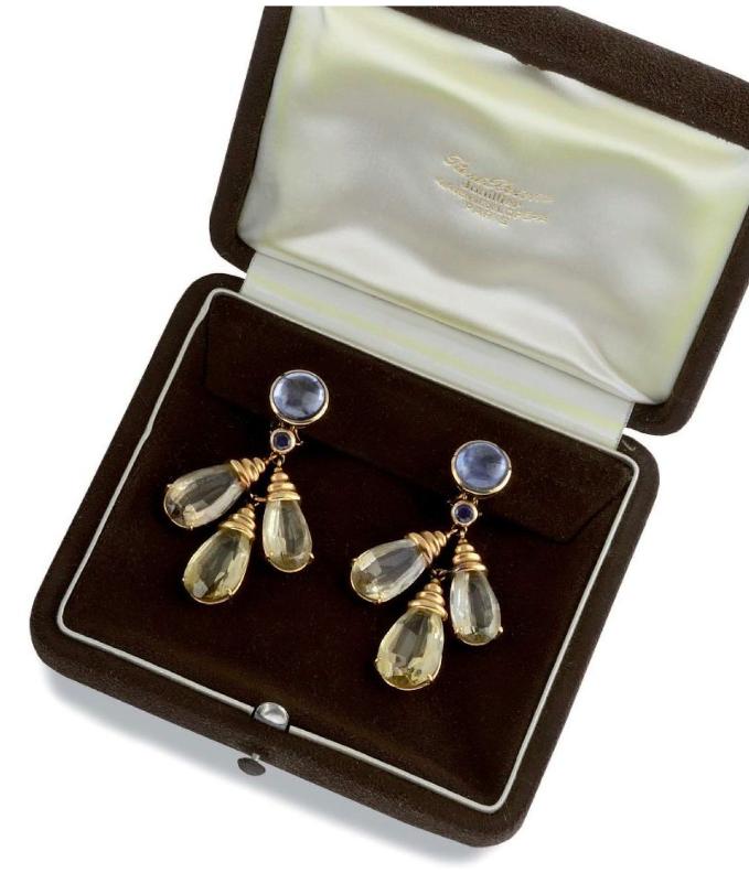 Rene Boivin, örhängen med safir, citrin och gult guld. Utrop: 64.700 Sek. Osenat