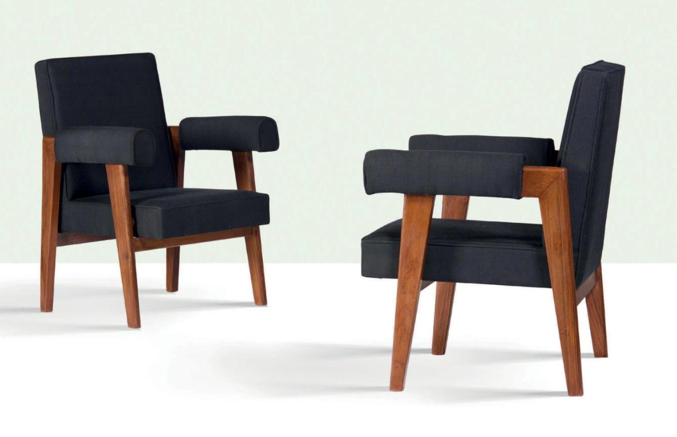 Le Corbusier et Pierre Jeanneret, paire de fauteuils, circa 1955, image ©Aguttes