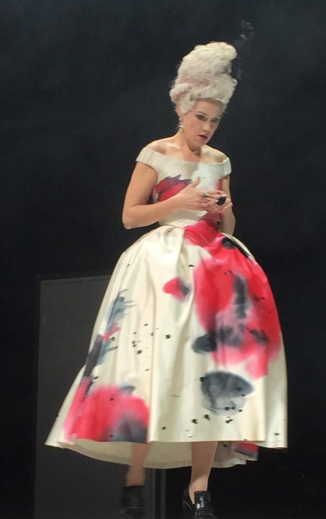 Grevinnan Almaviva spelas av Tova Magnusson.
