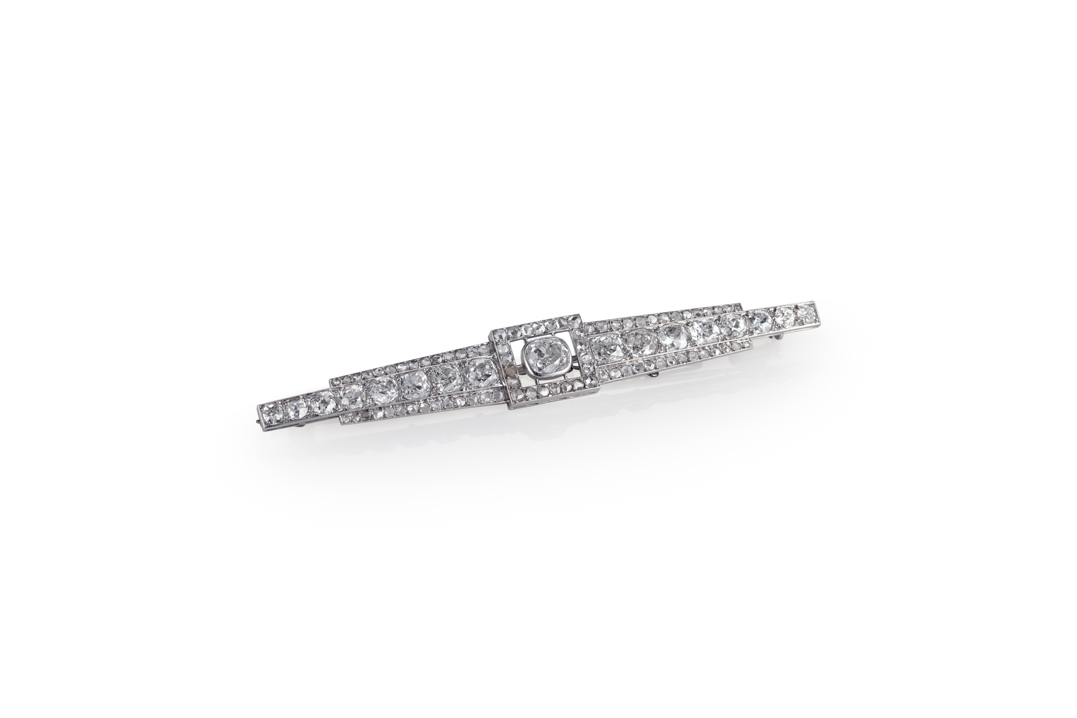 French Art Deco Diamond and Platinum Bar Brooch. Photo: Cheffins