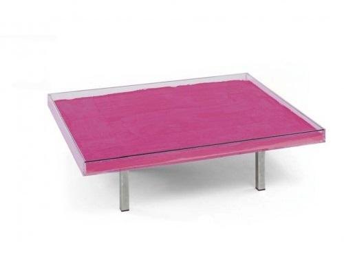 YVES KLEIN. Mesa rosa