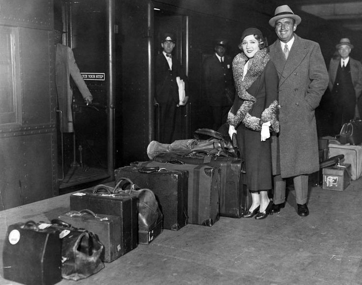Mary Pickford & Douglas Fairbanks à la gare de New York en 1931