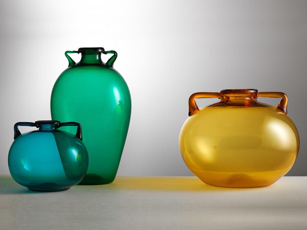 Vittorio Zecchins färgglada, transparenta vaser, designade för Cappellin Venini & C. Bild: theveniceglassweek.com