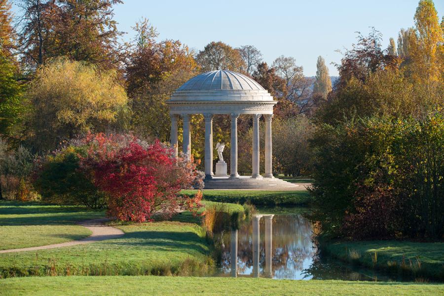 Le jardin Anglais, domaine du Petit Trianon, image ©Chateauversailles.com