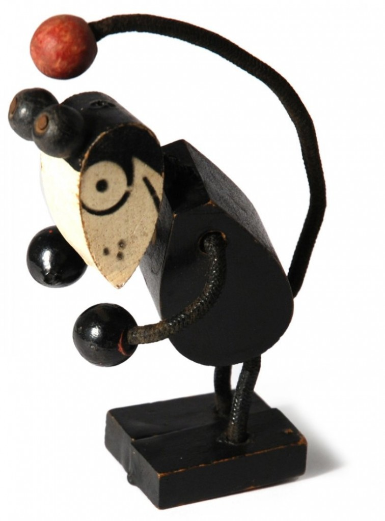 Wooden hand-painted Mickey Mouse figure, 2nd half of the 1920s Estimate: 600-1,200 EUR
