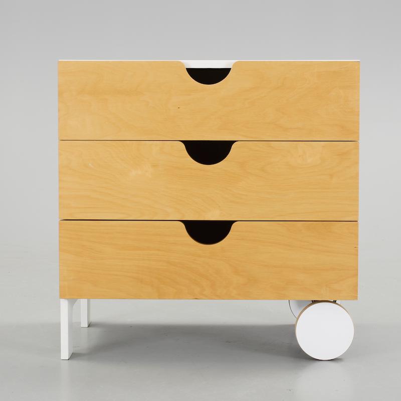 "Byrå. Thomas Sandell, ur ""PS""-kollektionen, IKEA, 1990-tal."