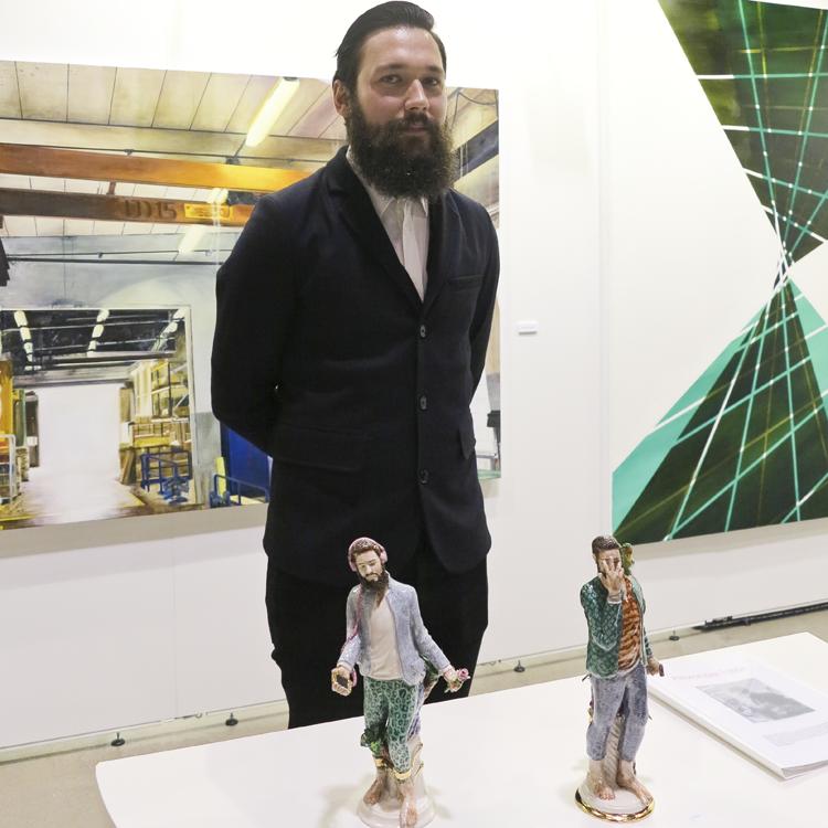 Konstnären Alexander Tallén ställer ut i montern Recent Graduate