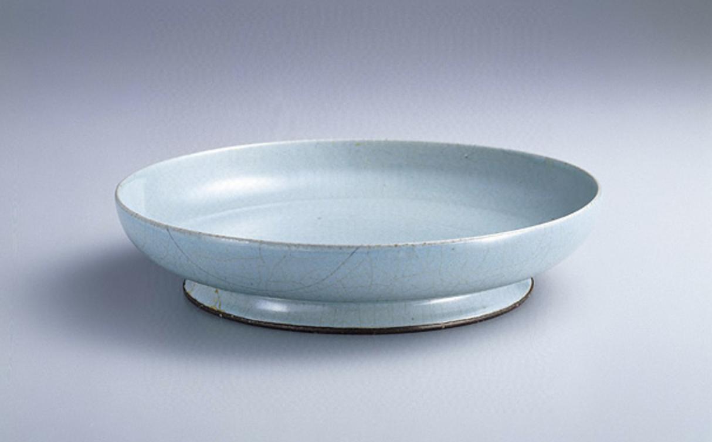 北宋汝窯青瓷盤 圖片來源:台北國立故宮博物院