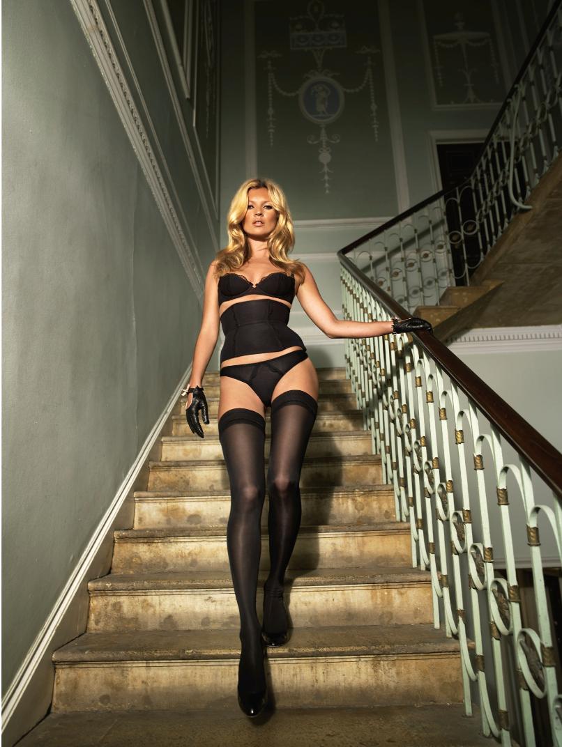 """Mike Figgis, """"Kate Moss, Descending"""" år 2007. Foto: Sotheby's."""