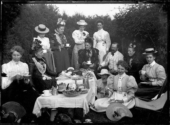 Picknick im Viktorianischen England um 1900 | Foto via Pinterest