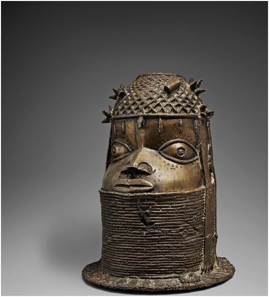 Bronshuvud, Benin. H: 34 cm, Nigeria. Utropspris: 140 000 - 185 000 kronor.