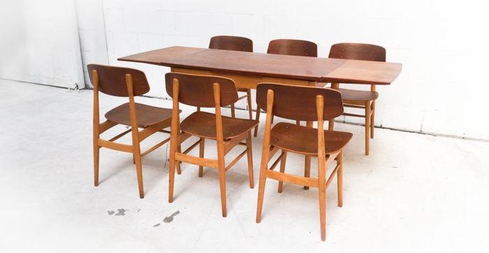 Matbord och stolar signerade Cees Braakman, 1950-tal. Foto: Catawiki.