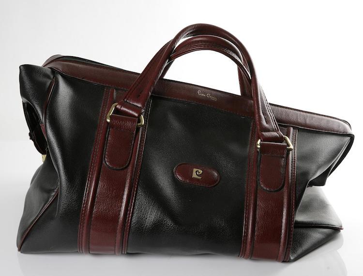 Bag, Pierre Cardin. Utrop: 300 SEK. Skånes auktionsverk