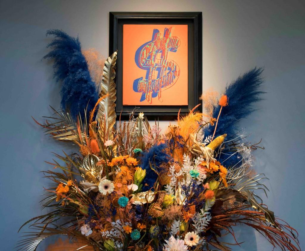 Dialogue floral entre Andy Warhol et le fleuriste Thierry Feret, image ©Artcurial