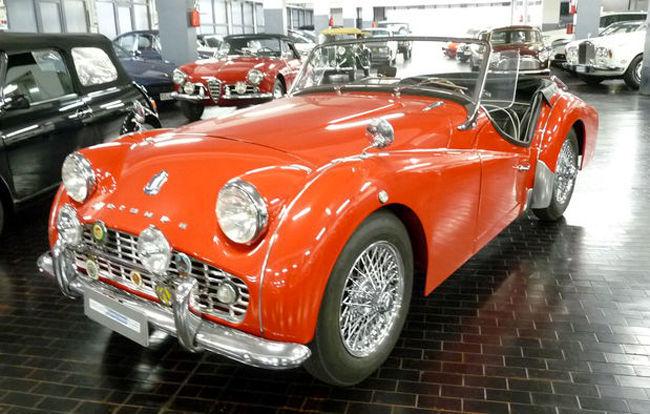 Triumph TR3A, 1960. Utropspris: 396 000 - 514 000 kronor.