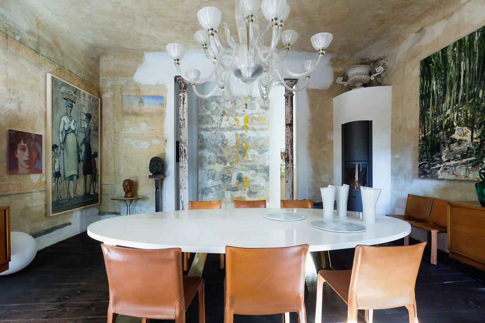 Matbordet har formgetts av Bruno Boretti själv.  © Francesca Anichini.