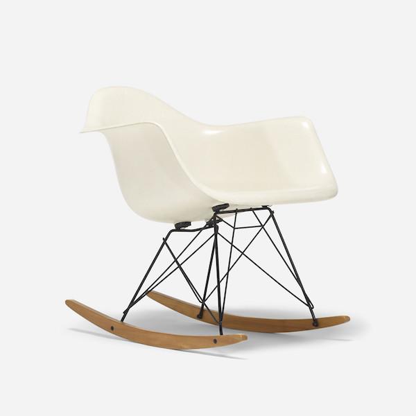 """Charles och Ray Eames, """"RAR"""", för Herman Miller. Tillverkad 1960. Till försäljning hos Wright Now."""