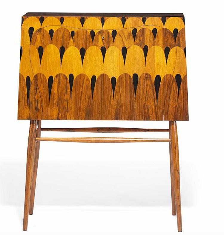 由Kaj Gottlob(1951)設計的罕見酒櫃,既是家具又宛若一件雕塑品。