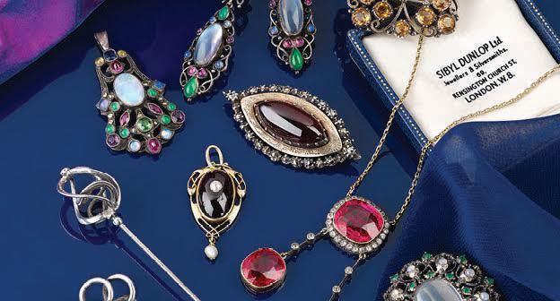 Lot de bijoux par Sybil Dunlop