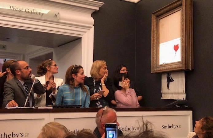 Girl with Red Balloon dans la salle des ventes de Sotheby's