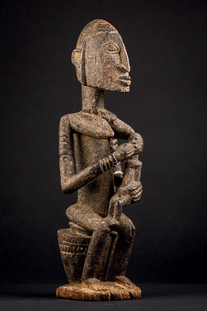 Lote 391: Maternidad Dogón-Djennenke. Mali (S. XIX). Precio de salida: 3.750 €