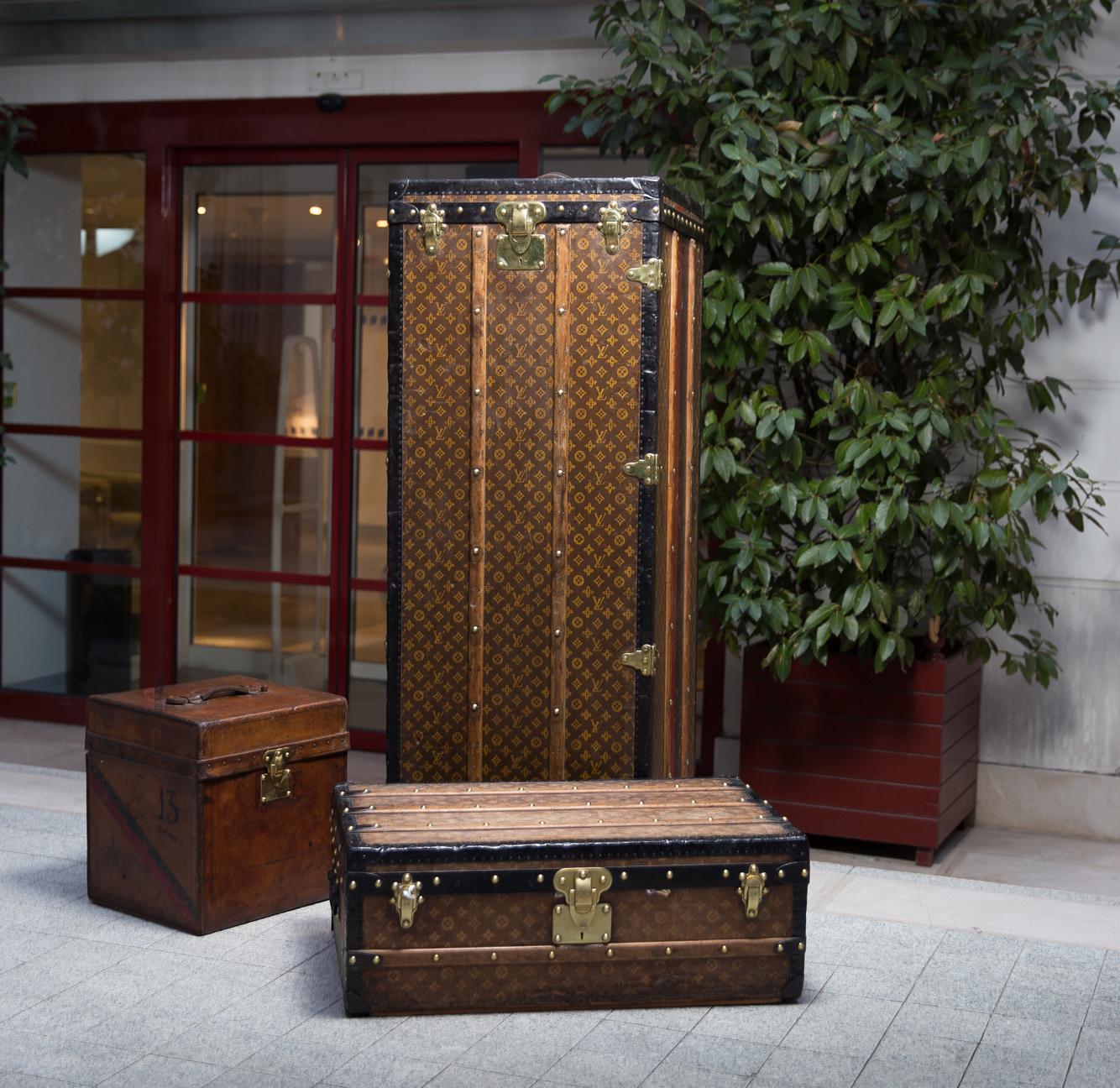 Assortiment de malles Louis Vuitton, image ©Tajan