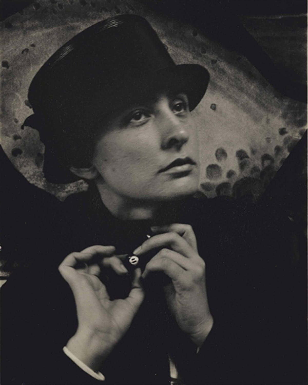 ALFRED STIEGLITZ. Georgia O'Keeffe (1918).