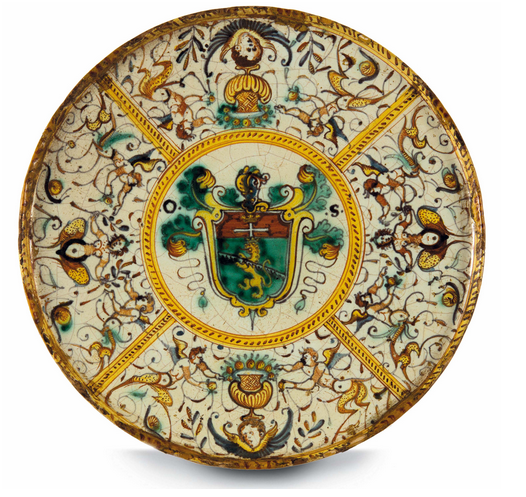 Etagère from Deruta with polychrome painting. H: 6.7 cm, Diameter: 25.2 cm, First half of 17th century. On sale at Cambi Casa d'Aste