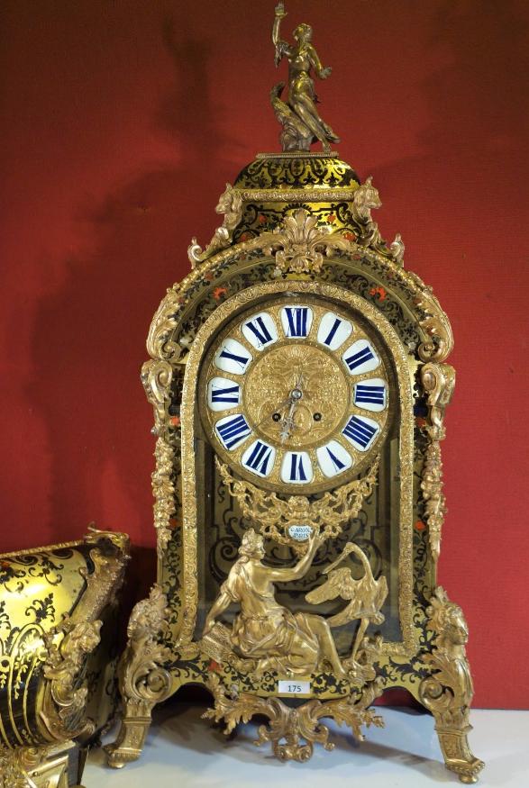 Cartel d'applique et sa console, d'époque Louis XV Estimation basse: 12 000 euros