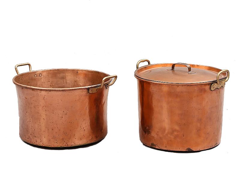 Kittlar, 2 st, koppar, 1800-tal. Utrop: 1,500 Sek. Bukowskis market