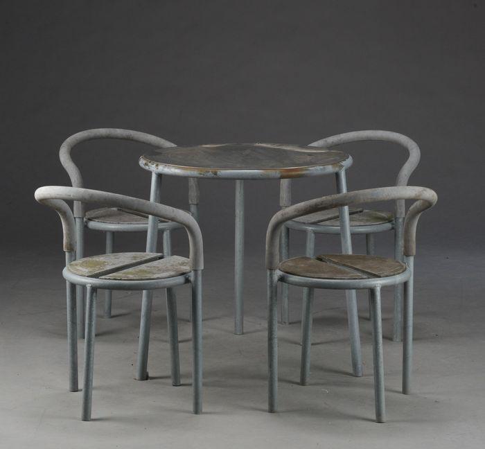 Niels Gammelgaard & Lars Mathiesen for Fritz Hansen – garden set model 'Cafe'